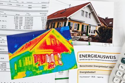 Energie sparen. Haus mit Wärmebild Kamera. © Gina Sanders - Fotolia.com